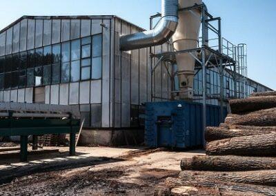 odlučování a sběr pilin a dřevěného prachu