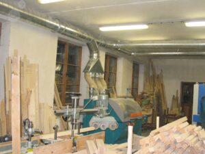 odsávání pilin z dřevoobrábějících strojů
